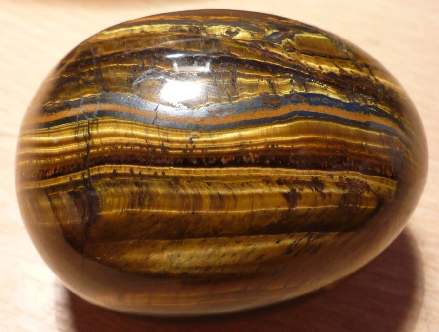 Tigers_eye_egg_shape